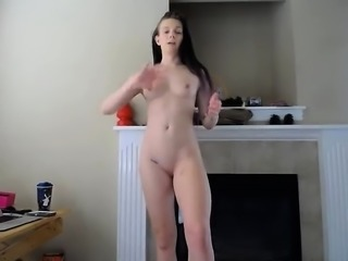 amateur duchess001 flashing ass on live webcam
