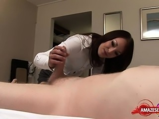 Hot amateur handjob and cumshot