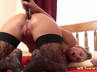 Pissing collection with sexy babes