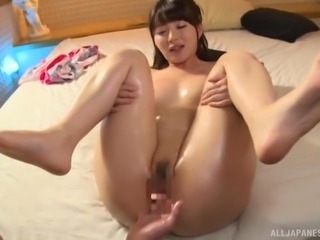 Hakii Haruka wants to spread her legs for a skillful man