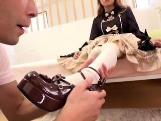 Asian massage slut sucks cock during nuru massage