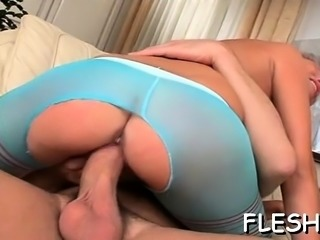 Enjoyable girl feels dick unfathomable in her wet snatch