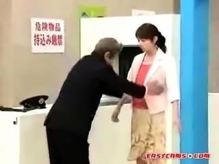 Super Funny Japanese Parody of TSA Airport Security