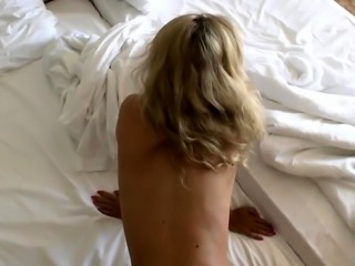 Sensual milf with a sweet ass likes to get banged doggystyle