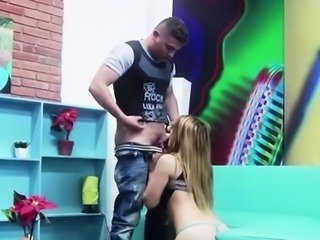 Crazy slut gives her stretched needy muff to a random dude
