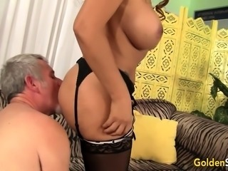 Mature slut gets her tits sucked and she gives her mature