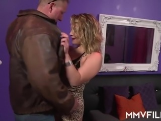 Real slut Honey Diamond is quite good at giving a splendid blowjob