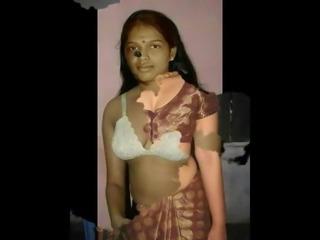 Hot wife boob show