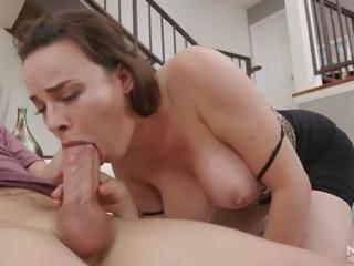 Torrid MILFie housewife Dana DeArmond doesn't hesitate to provide dude with BJ