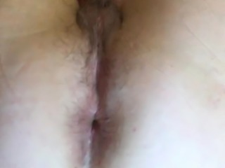flashing her pussy