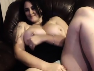 amateur annebest flashing boobs on live webcam
