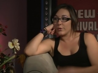 MILF in glasses tries to find out how is it like to have a lesbians sex in an...