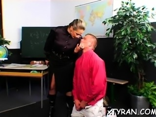 Playgirl shows of her bald cunt whilst jerking off dick