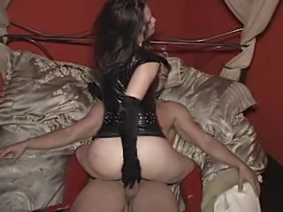 BDSM fuck for the sexy slut in gloves