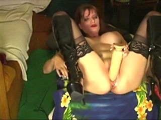 Nasty Nicole pumps her pussy with big toys, gets fisted and squirts